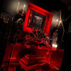 1-Studio-Floral-Red-Light